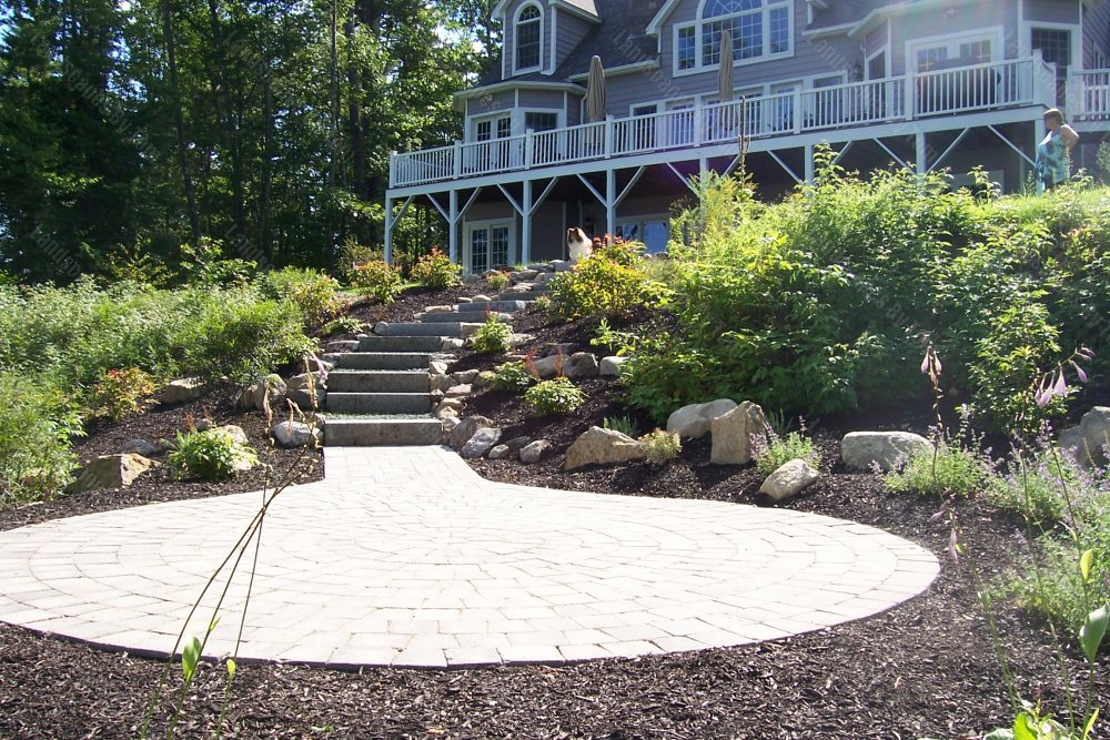 2013_16_Another_After_picture_of_lower_patio_in_wooded_area-min