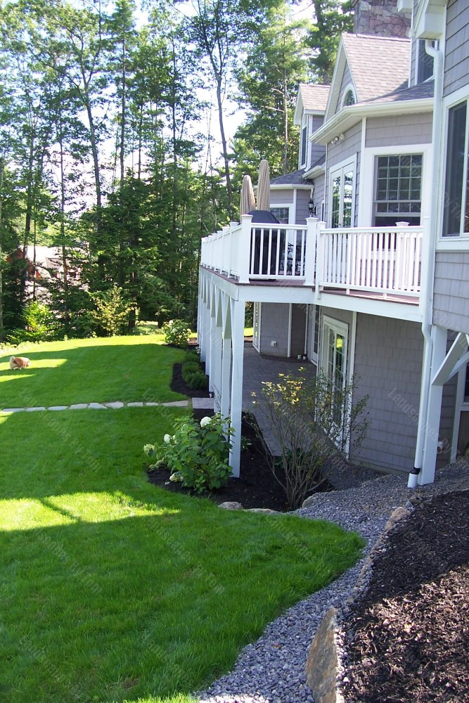 2013_18_After_picture_of_rear_patio_under_deck-min