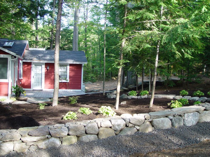 cottage_fieldstone_wall-min